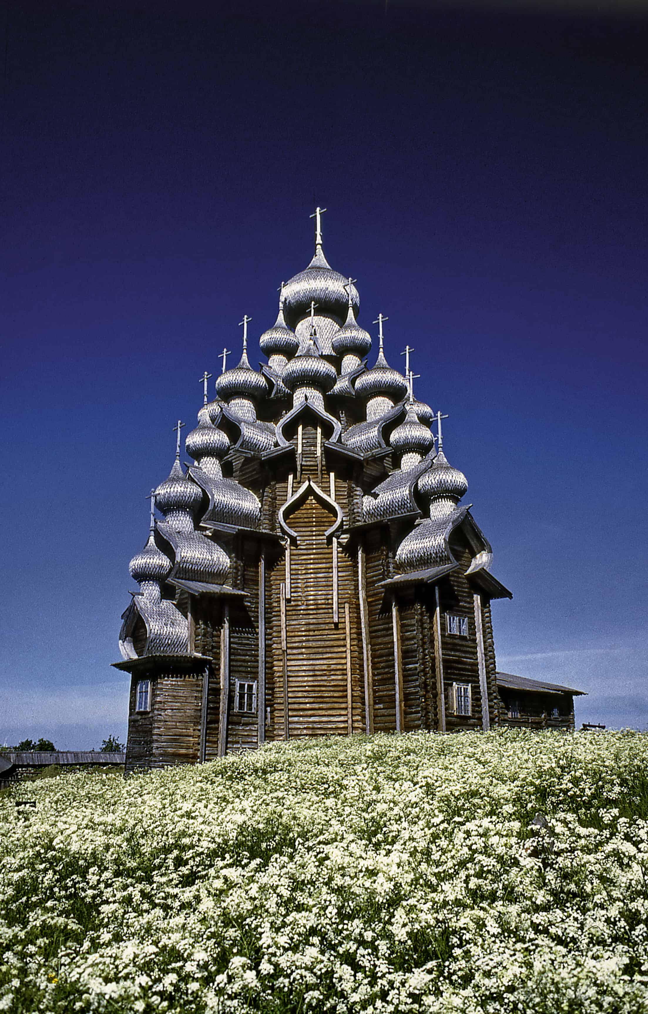 Преображенская церковь на острове Кижи. Фото из архива Владимира Ларионова