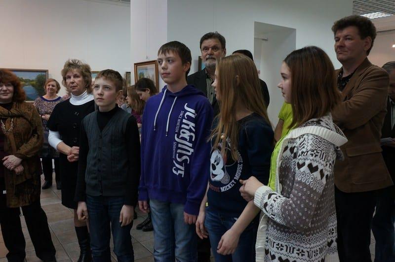 В Городском выставочном зале Петрозаводска открылась  выставка «Дорогой творчества». Посвящена она 40-летию Олонецкой ДХШ