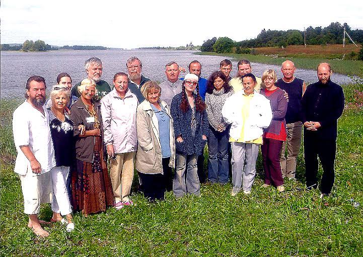 Участники II Фестиваля колокольных звонов  на острове Кижи. 2004 год