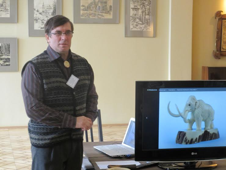 Владимир Баландин рассказывает о резьбе по кости