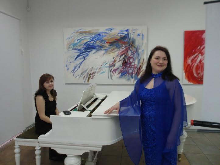 Юлия Онькина (сопрано) и Алина Кострова (фортепиано)