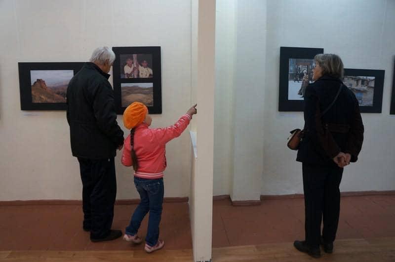 На выставке фотографий Марии Колесниковой