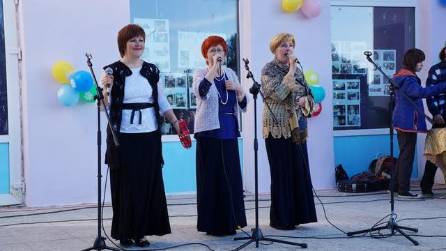 Семейный ансамбль  «Белый танец» из  Петрозаводска порадовал хорошей песней