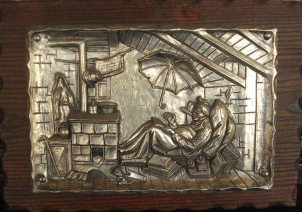 Репродукция -  чеканка на металле в широкой деревянной раме