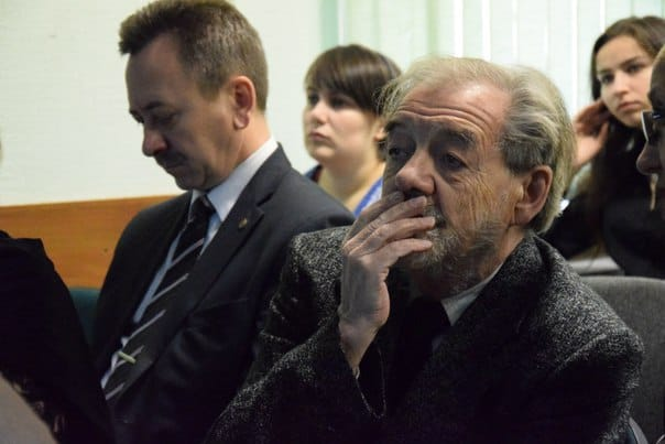 Проректор ПетрГУ Сергей Гриппа (слева) и гость из Москвы, ученый-химик Владимир Лененко