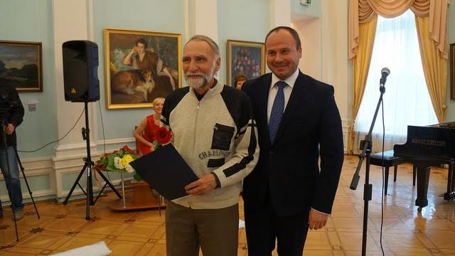 Все сотрудники музея были отмечены наградами. Один из них - Сергей Пантелеймонович Сергеев