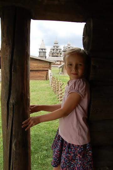 Маша Голубева. Девочка и погост