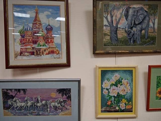 Выставка работ вышивальщиц. Фото Ирины Ларионовой