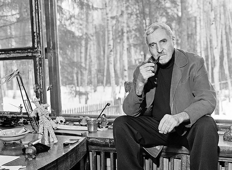Константин Симонов на даче.  Фото из личного архива А.К. Симонова