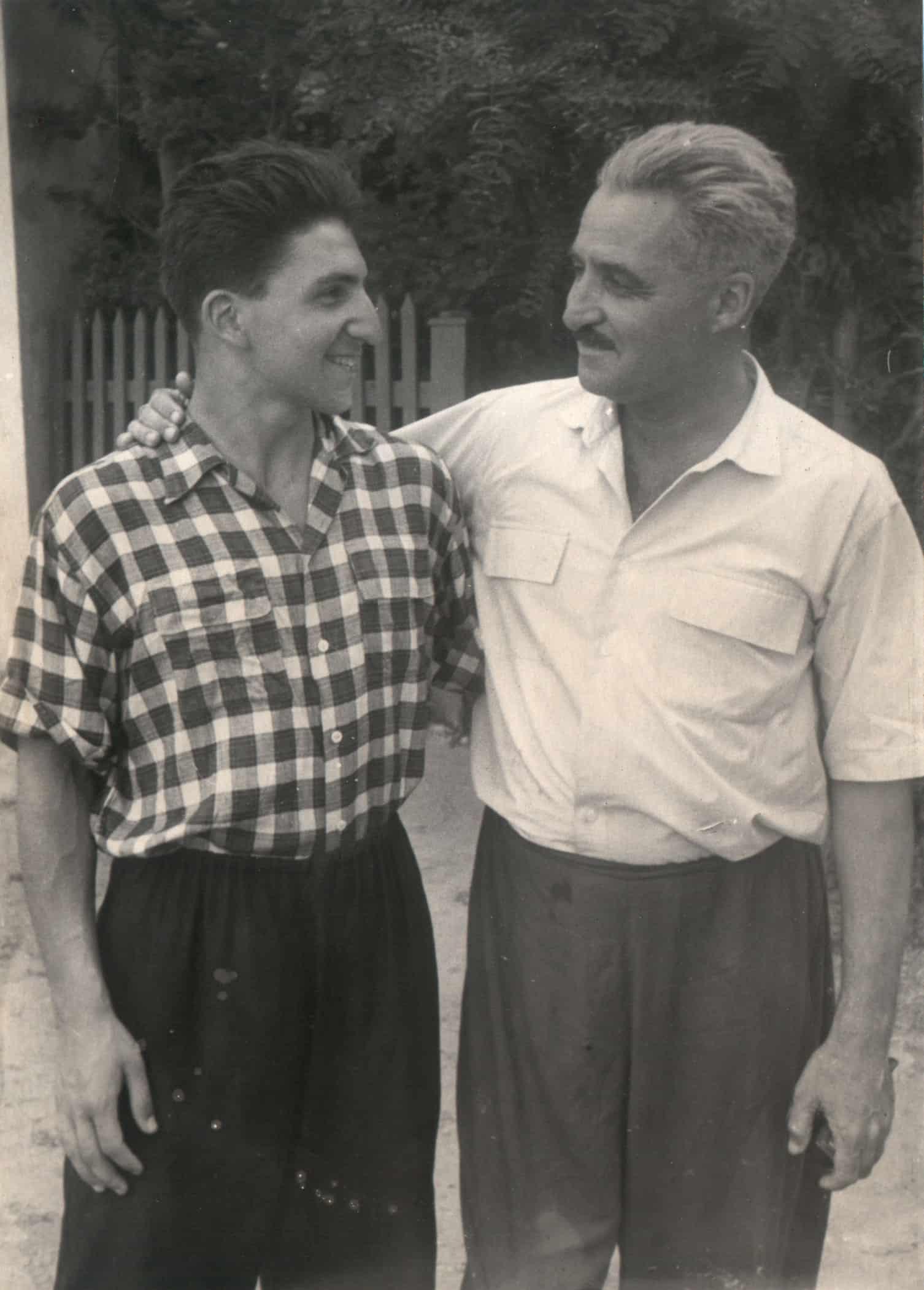 Константин Симонов с сыном Алексеем