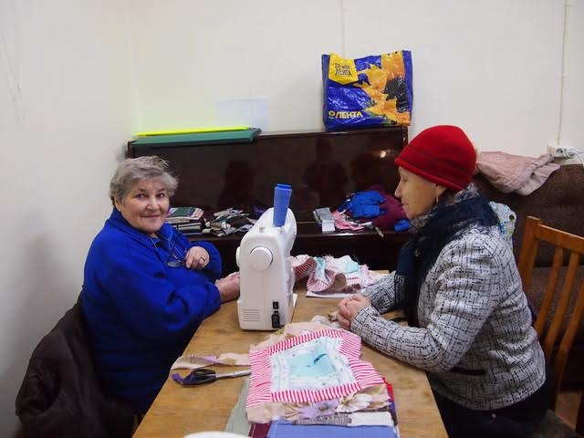 Две сватьи Галина Иванченко (слева) и Нина Коротких (справа)
