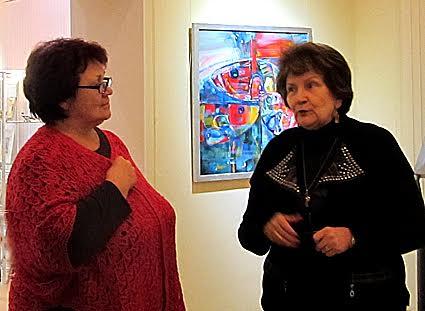 Директор Лицея № 13 Галина Васильева (слева) и директор Музея  изобразительных искусств РК Наталья Вавилова
