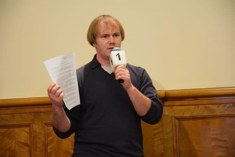 Игорь Подгорный выступил от родителей первоклассников