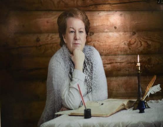 Образ сельской учительницы, в котором предстала Ирина Шарлаева, зрителям особенно полюбился