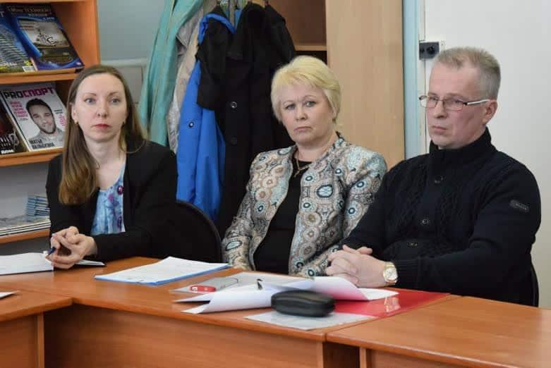 Представители городского управления образования Светлана Рогова (слева) и Ирина Тюрлик