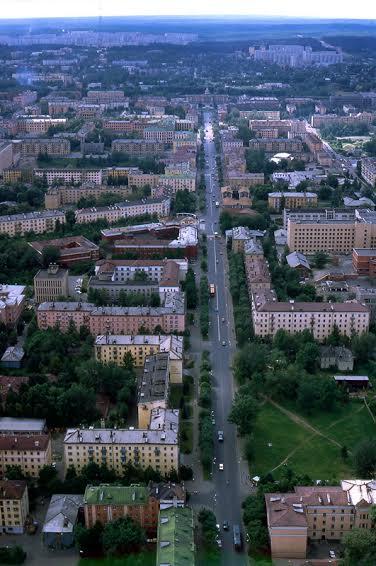 Ансамбль проспекта Ленина со зданием железнодорожного вокзала. Конец ХХ в. Фото В. Ларионова