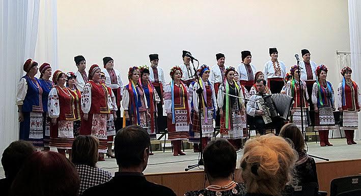 Украинский народный хор «Украïнска пiсня»