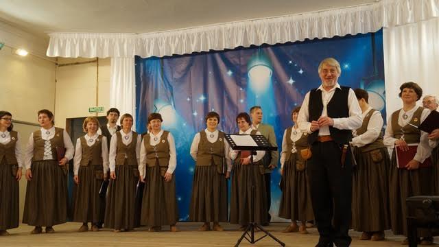 Концерт в Детской музыкальной школе Питкяранты начинается с небольшого рассказа о хоре