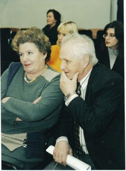 С.А. Головина и В. Н. Водолазко, заведующий кафедрой общественных наук института