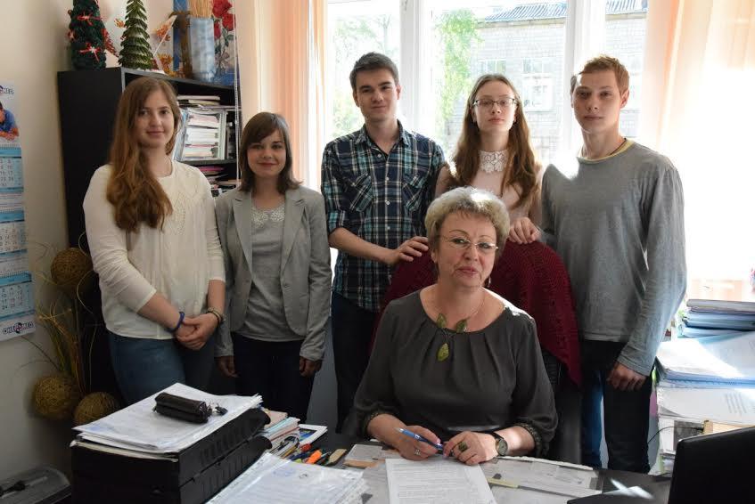 Марина Иосифовна Кузнецова с гимназистами