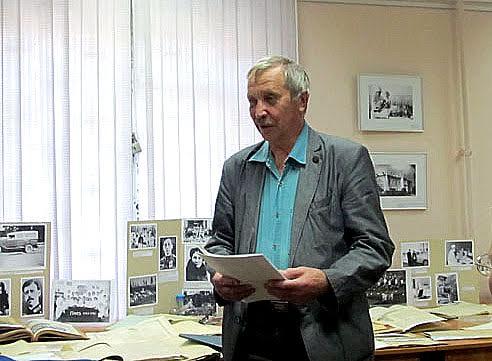 В этот день архивные фонды полнились еще несколькими документами: к дневнику своего деда, уже хранящемуся в архиве, его внук Вадим Зубкович добавил письма деда военных лет