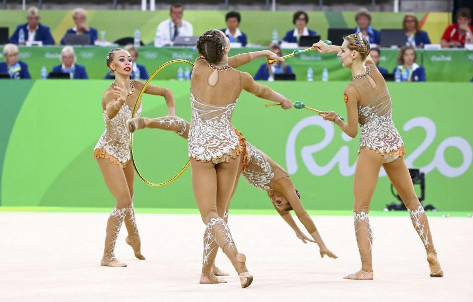 Анастасия Максимова (крайняя слева) с подругами по команде. 21 августа, Рио-де-Жанейро