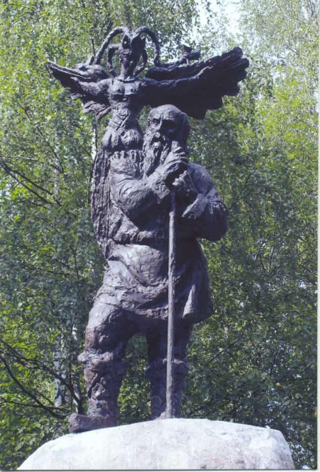 Памятник Николаю Клюеву в Вытегре. Фото Дмитрия Москина