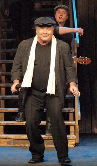 Николай Губенко в спектакле. Фото www.taganka-sat.ru