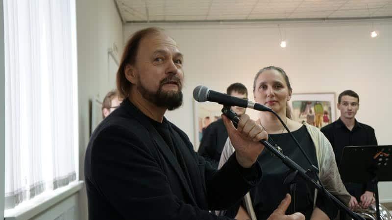 Владимир Назанский открывает выставку