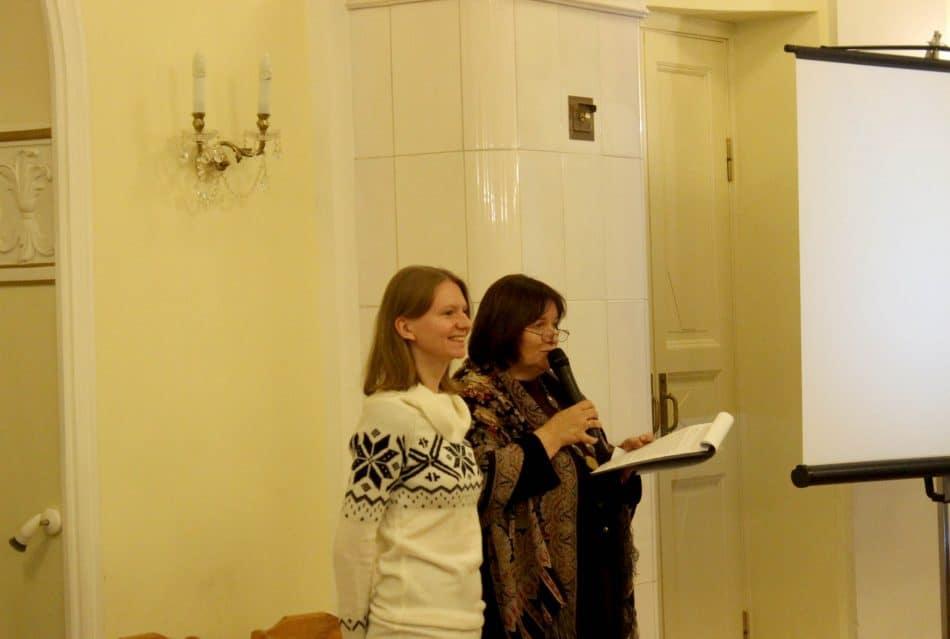 Дизайнер книги Наталья Янина - тоже заонежанка по своему роду. Фото: Андрей Скорняков
